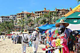 Más de 300 ambulantes trabajan sin permiso en Los Cabos; aumentaron un 15 %  por pandemia - BCS Noticias